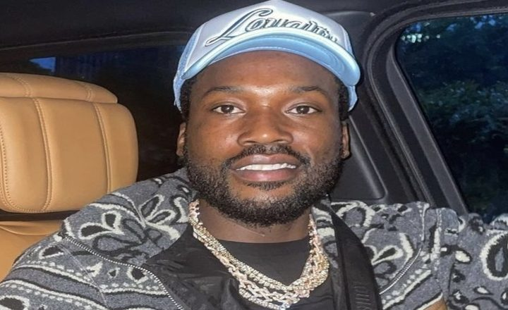 """Meek Mill Says Blogs Post """"Goofy S*it"""" and Not Positive Things, After People Clowned Him For Asking if Amazon Sells """"Vibrating Panties,"""" Instead of Discussing Him Helping Black Man Get Released From Prison"""
